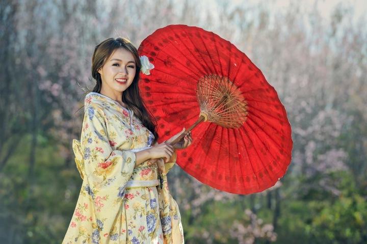 Číňanka s deštníkem