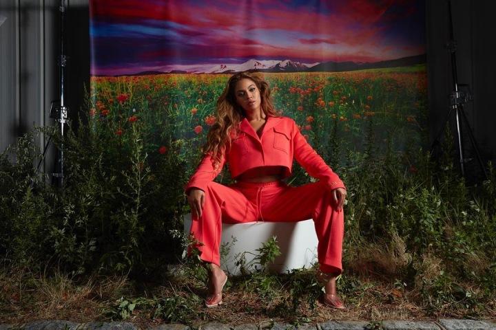 Beyoncé v červené