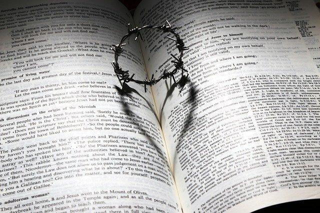 Bible, láska, kříž
