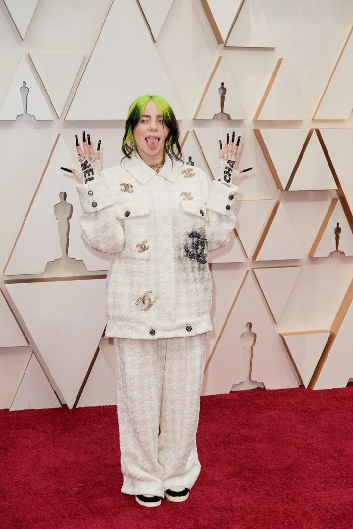 Billie Eilish na udílení filmových cen Oscar
