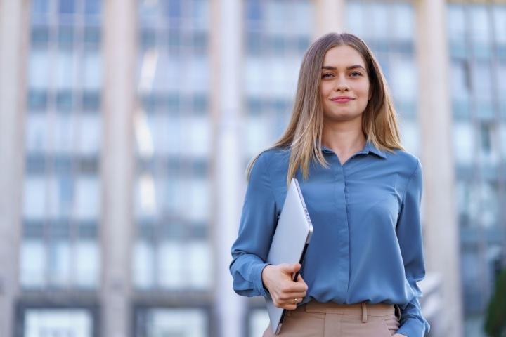 Čtyřdenní pracovní týden by mohl zvýšit spokojenost zaměstnanců i produktivitu práce