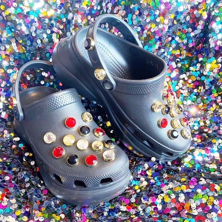 Boty Crocs s kameny