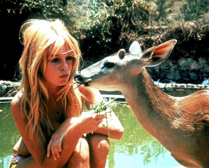Brigitte Bardot se srnkou