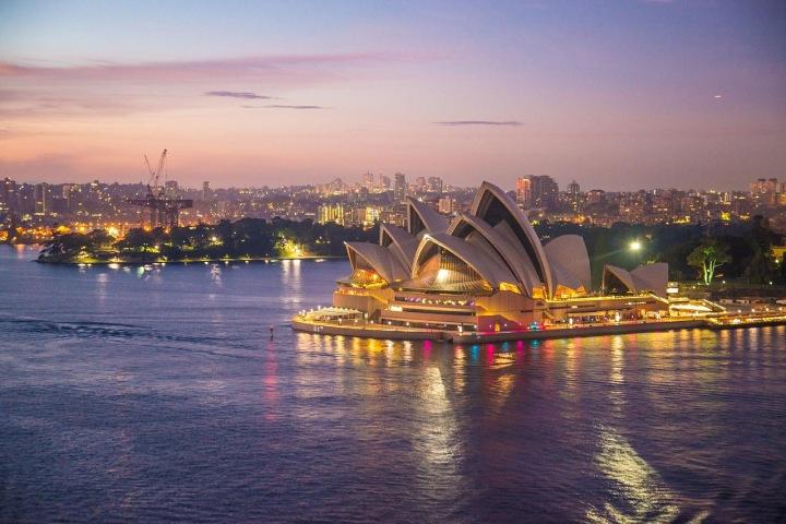 Pohled na budovu opery v australském Sydney