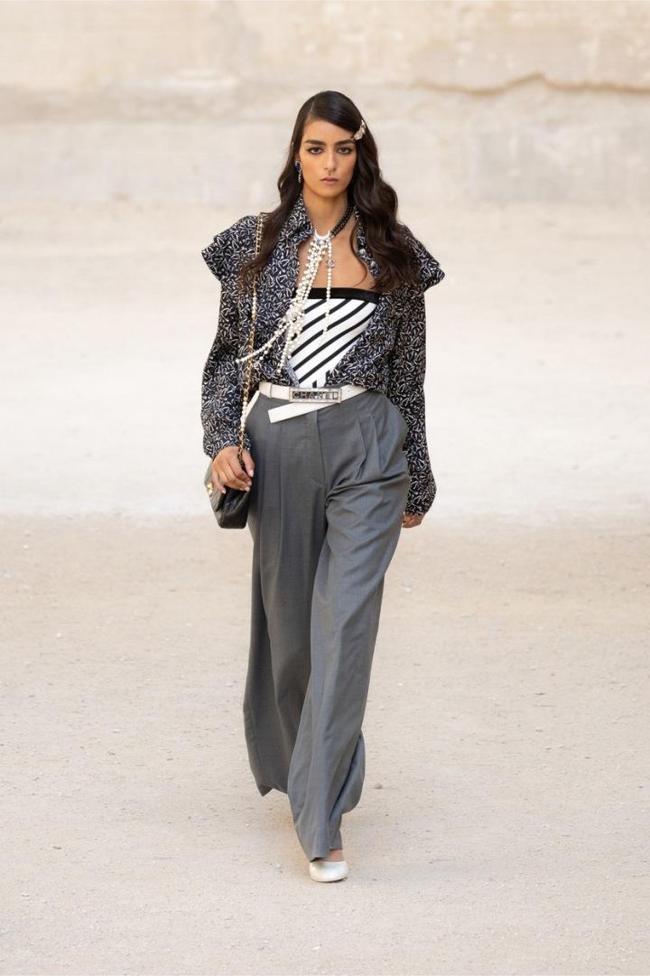 Model z nové kolekce značky Chanel.