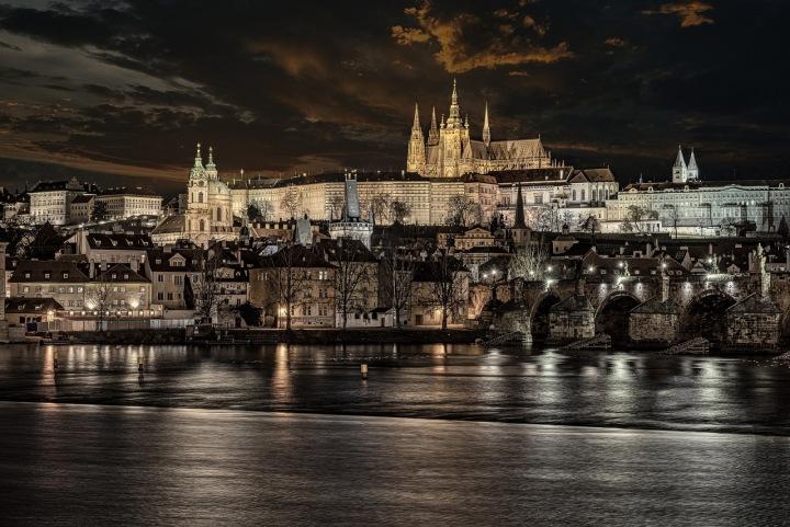 Noční výhled na Prahu