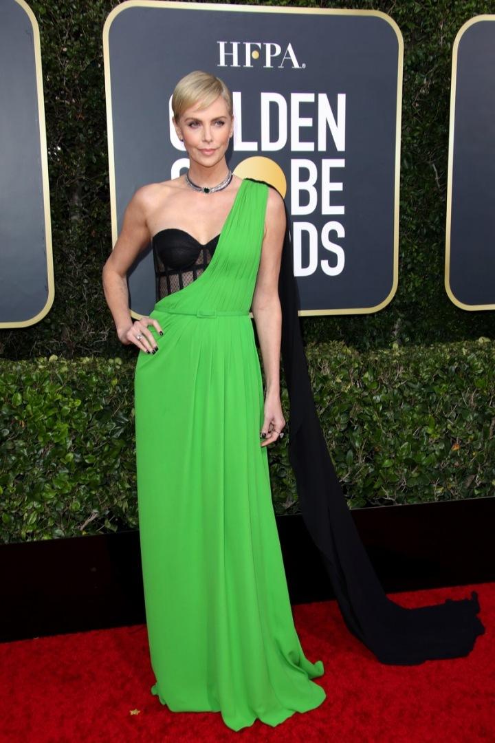 Charlize Theron na udílení cen Golden Globes