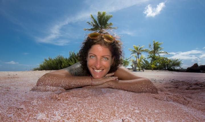 Z hlavy palma, v hlavě čisto. Francouzská Polynésie.