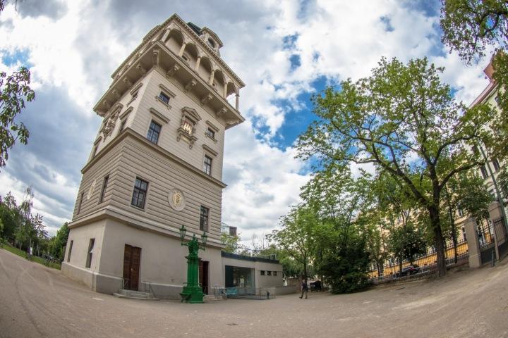 Vodárenská věž na Letné