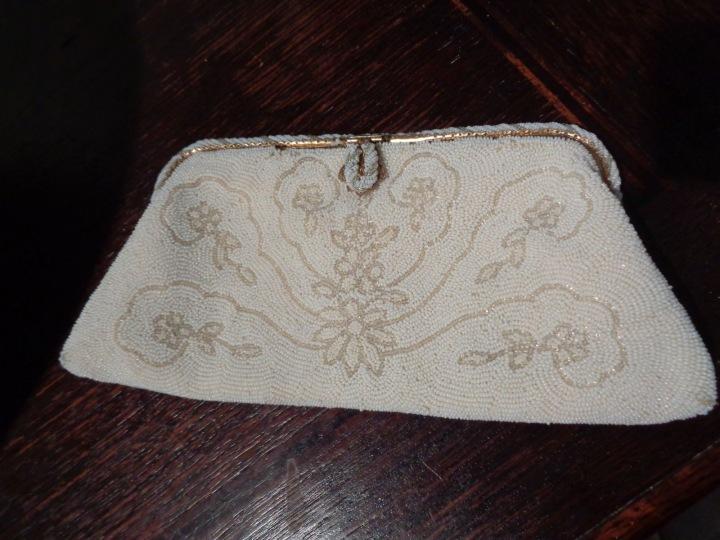 Podobnou kabelku měla i princezna Diana. Náhoda?