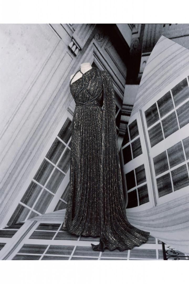 Třpytivé večerní šaty z kolekce Dior Fall 2020 Haute Couture