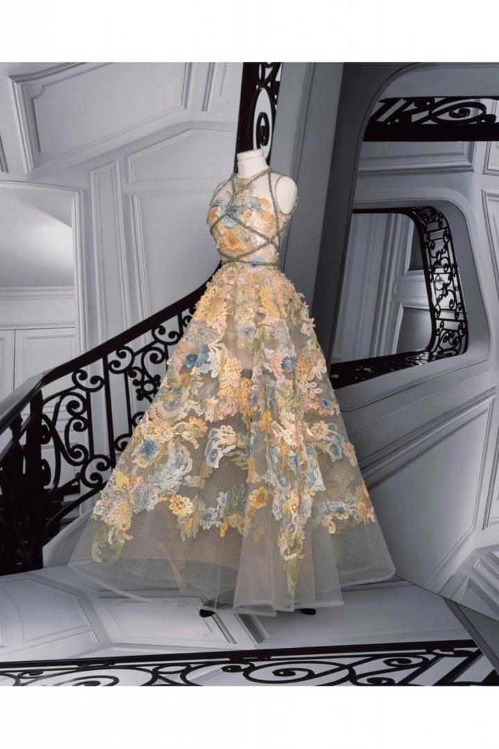 Květinové šaty z kolekce Dior Fall 2020 Haute Couture