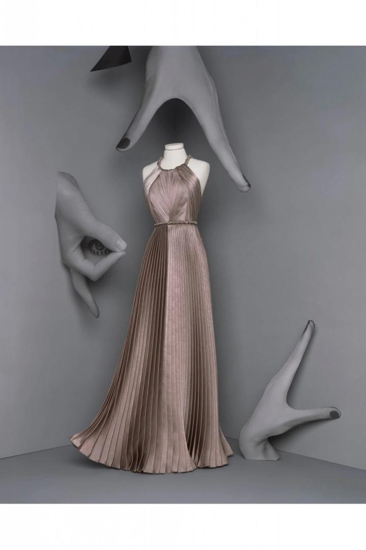 Plisované šaty z kolekce Dior Fall 2020 Haute Couture
