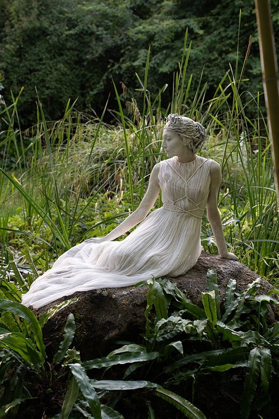 Živá socha v přírodě