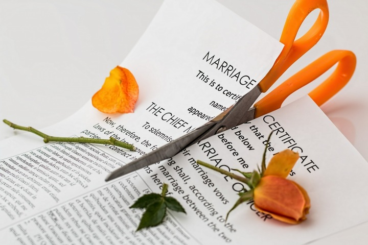 Mnoho párů skončí u rozvodového právníka.