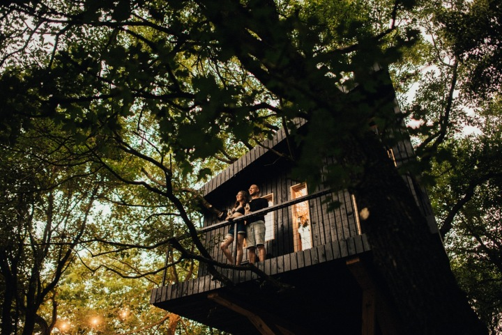 Na terase pod hvězdami si můžete vychutnat víno s přáteli.