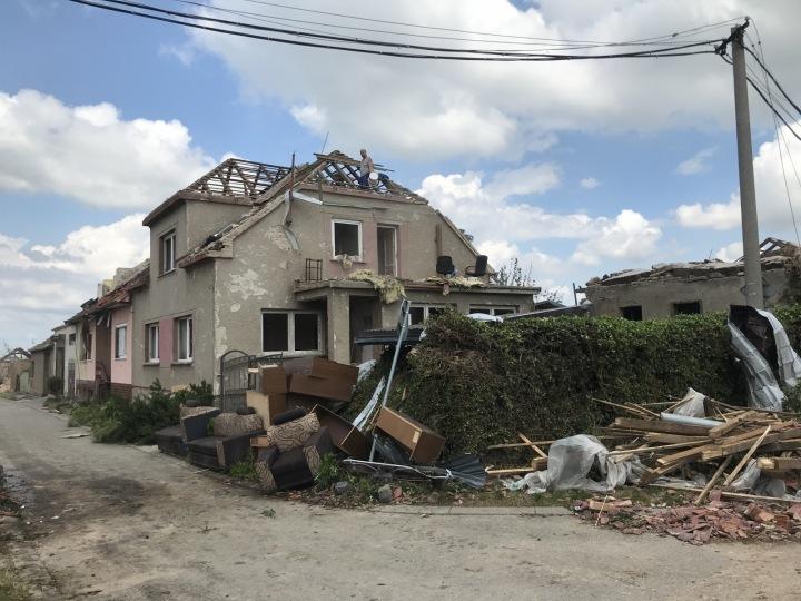 Dům poničený na jižní Moravě