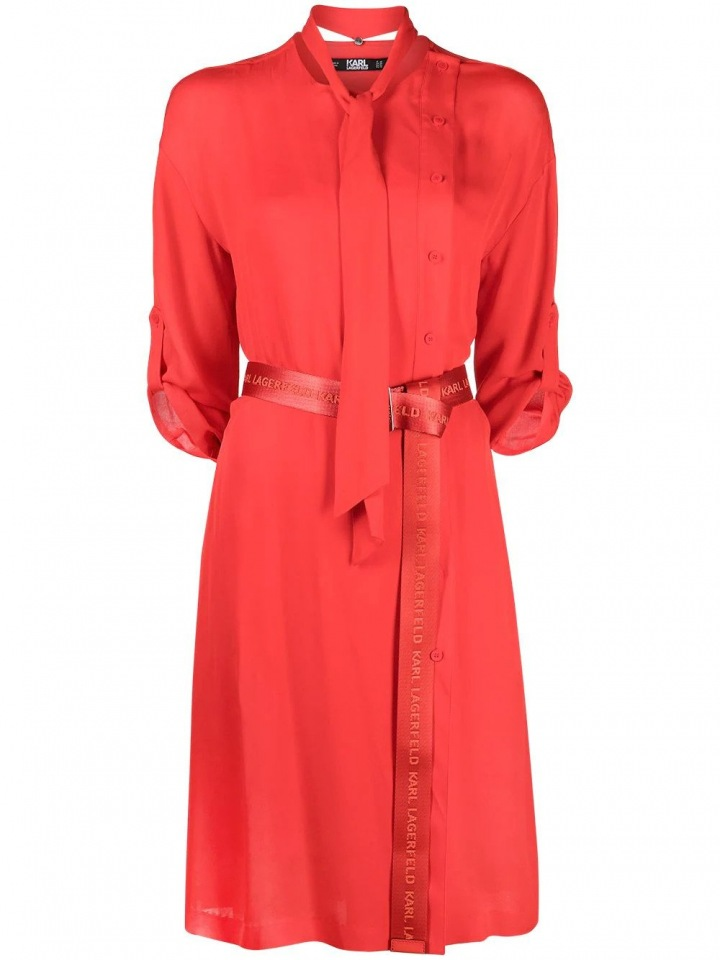 Červené šaty Karl Lagerfeld.