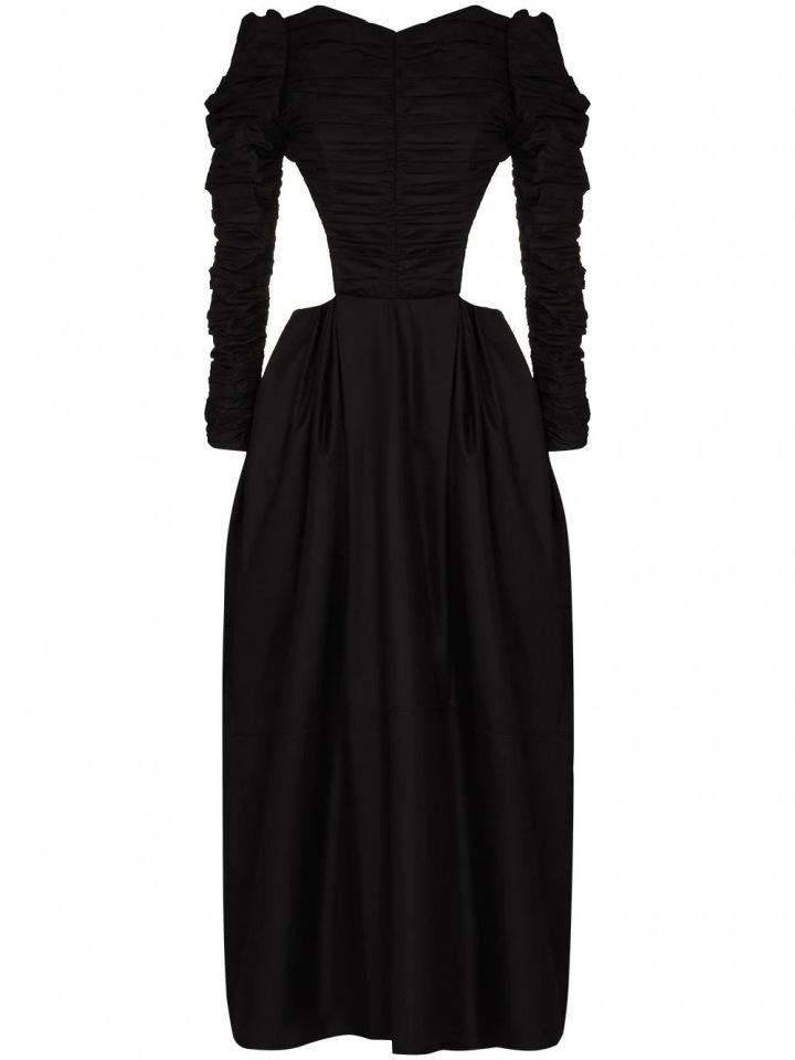 Černé šaty s prostřihy