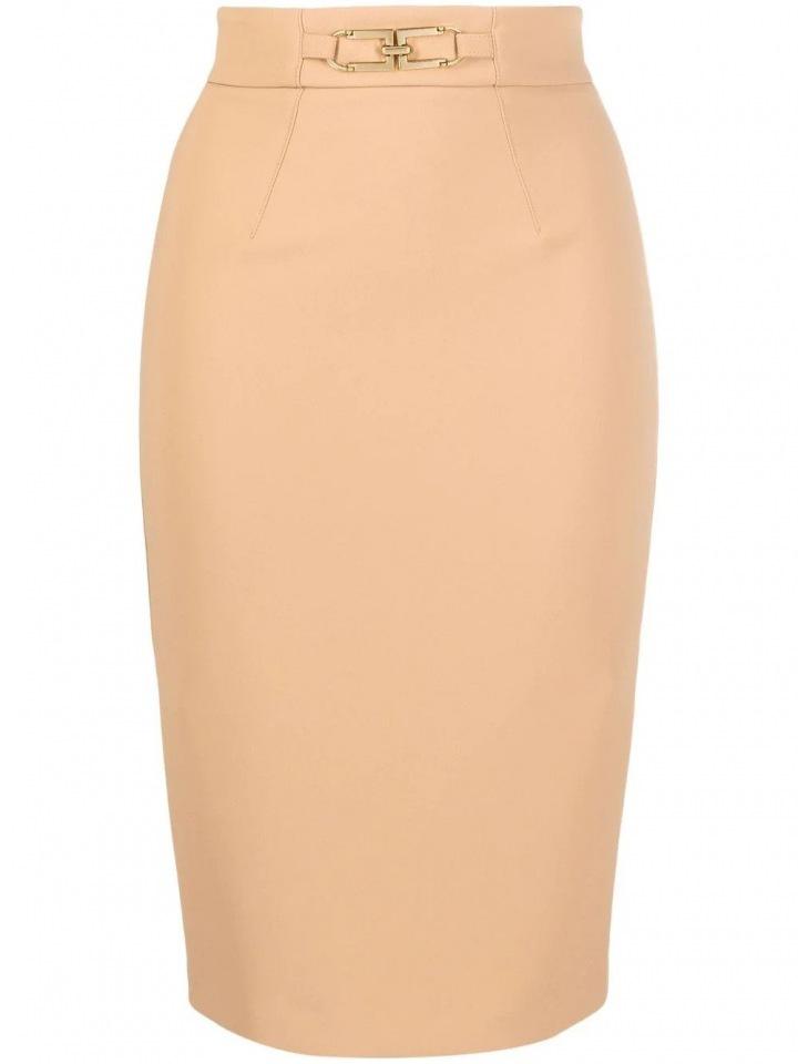 Světlá pouzdrová sukně
