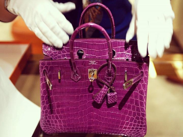 Fialová kabelka Hermès Birkin