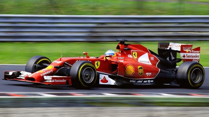 Formule 1 na okruhu.