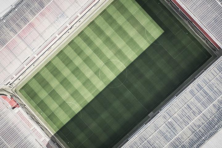 Letecký pohled na fotbalový stadion