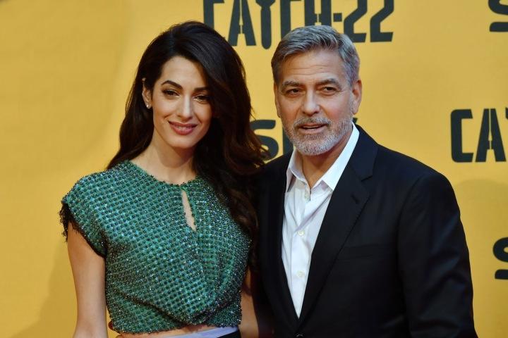 George Clooney s manželkou.