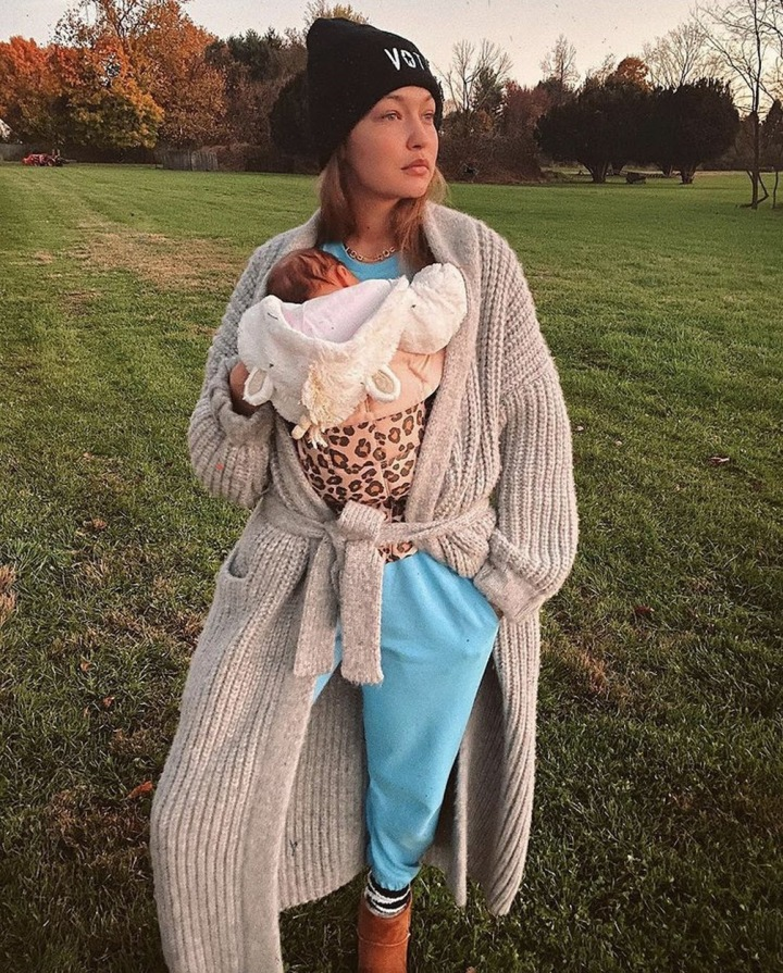 Gigi Hadid s dcerou.