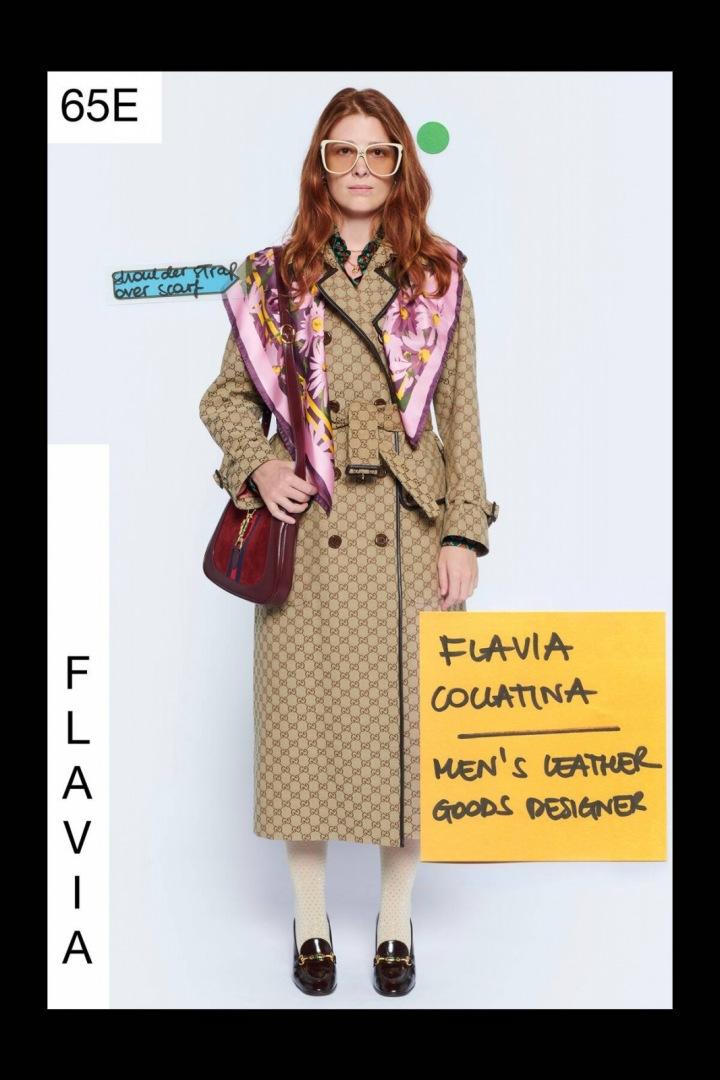 Žena v béžovém kabátu Gucci Resort 2021