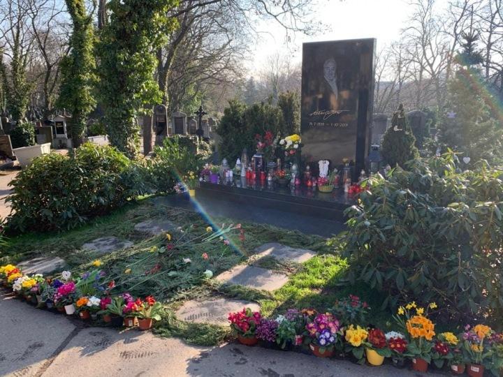 Mistrův hrob na Malvazinkách.