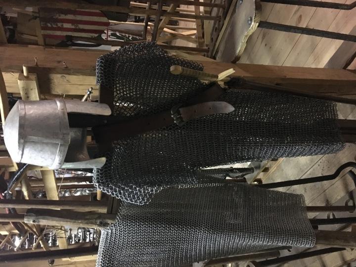 Tento oblek nasadil Karel Roden ve filmu Křižáček.
