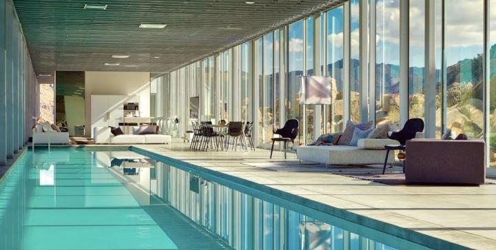 Interiér neviditelného domu v Kalifornii, bazén