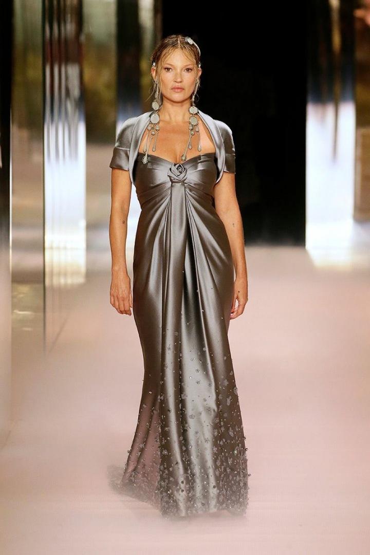 Kate Moss na přehlídce Fendi Couture SS2021