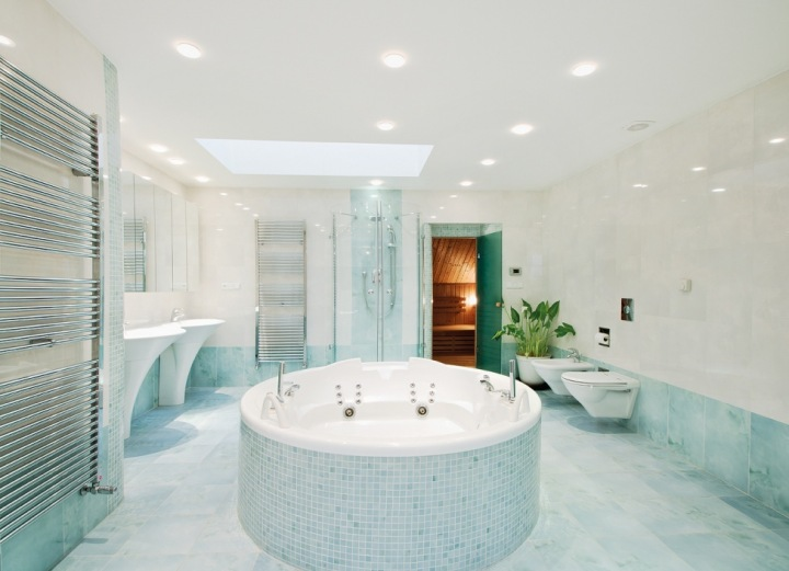 Koupelna ve vile se SPA.