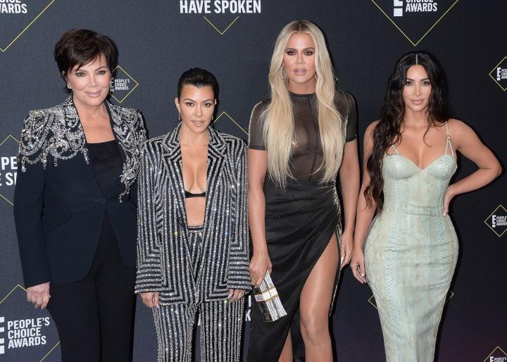 Kris Jenner a její dcery Kourtney, Khloe a Kim na Peoples Choice Awards 2019