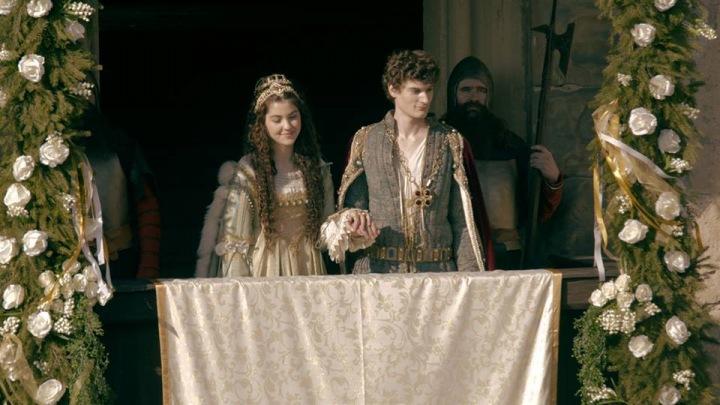 Celeste si jako princezna kostýmy užívala.