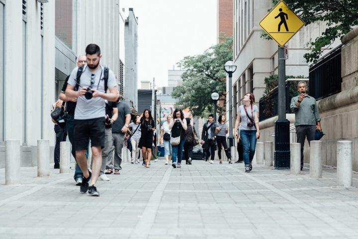 Lidé na ulici.