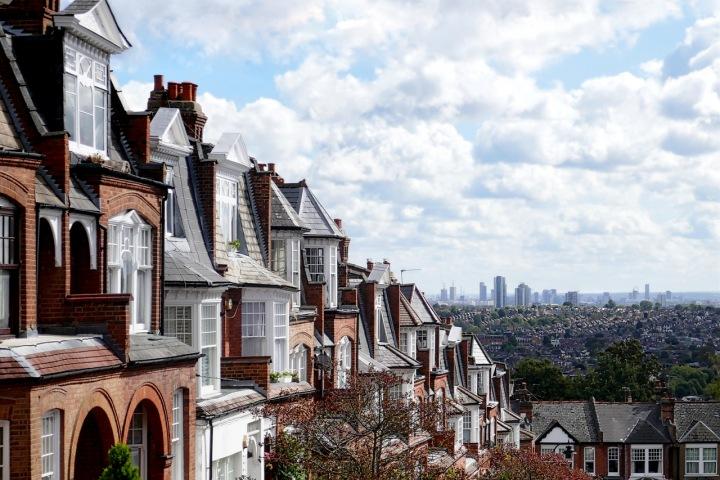 Pohled na starou i novou zástavbu Londýna