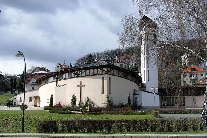 Kostel sv. Josefa v Luhačovicích