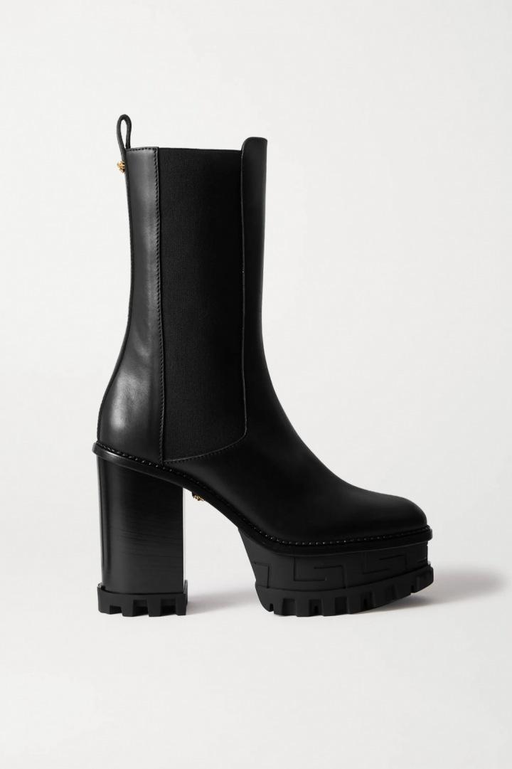 Masivní kožené boty Versace s gumovou podrážkou.