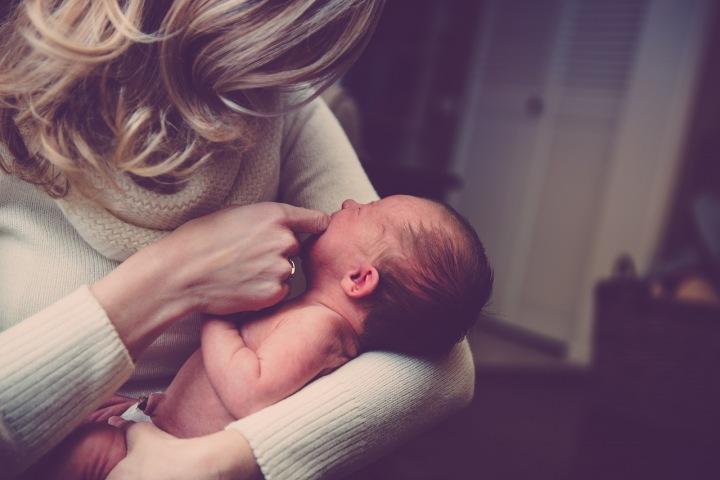 Matka s malým dítětem