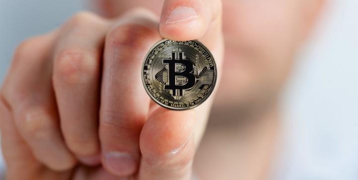 Mince Bitcoin v ruce