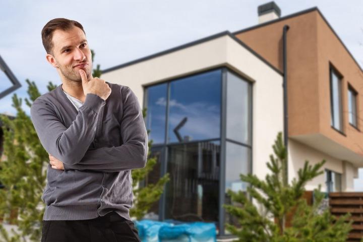 """Mladý mug, """"single"""" přemýšlí o investici do budoucího bydlení"""