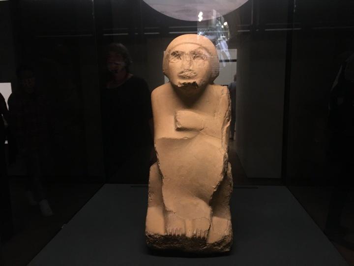 Muž z Abussíru je pět tisíc let stará soška.