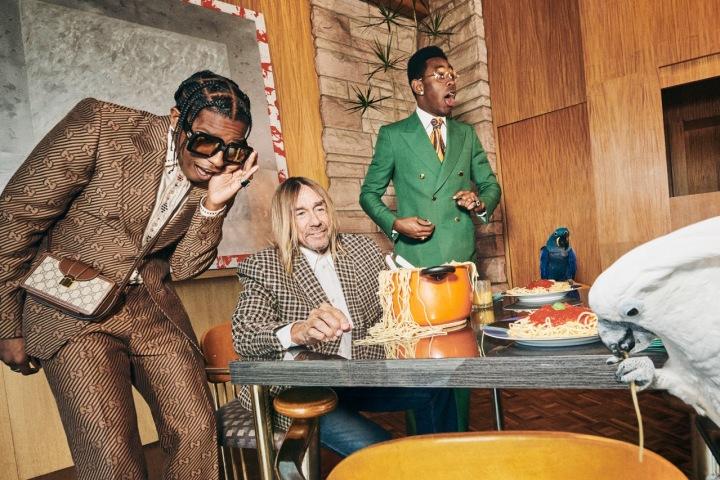 Muži v modelech Gucci