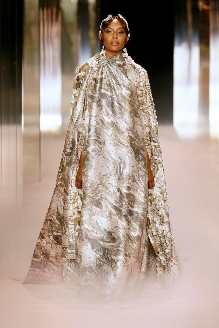 Naomi Campbell na přehlídce Fendi Couture SS2021
