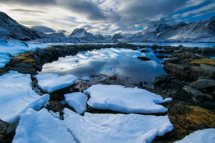 Norské fjordy jsou nádherné.