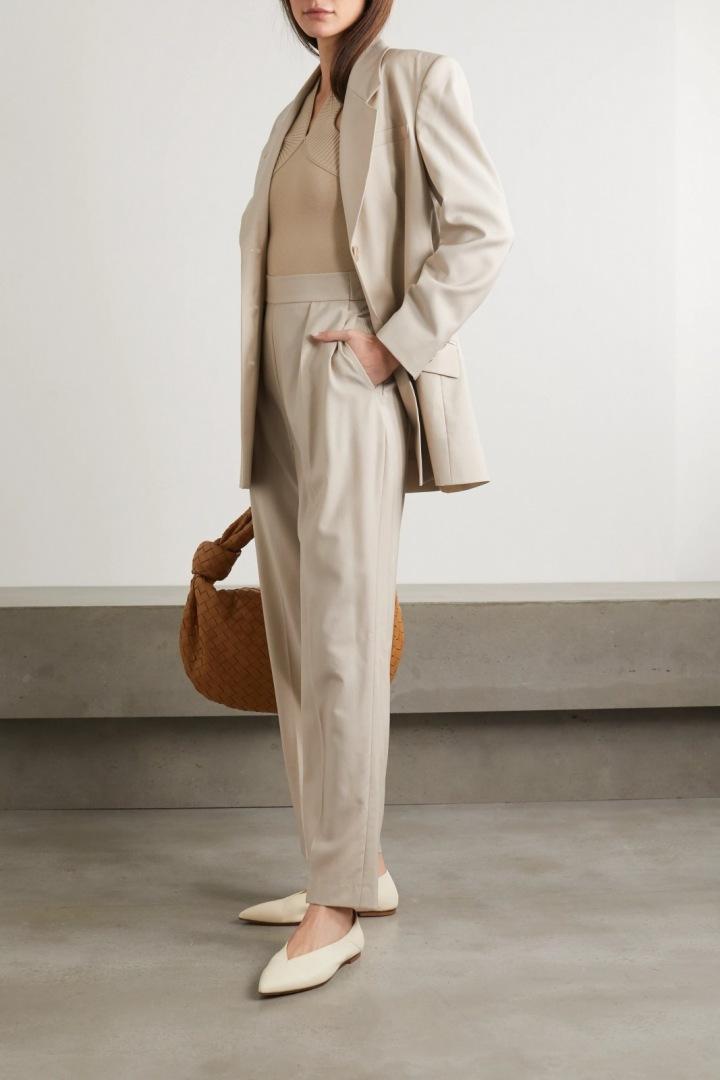 Světle béžový oblek Envelope1976