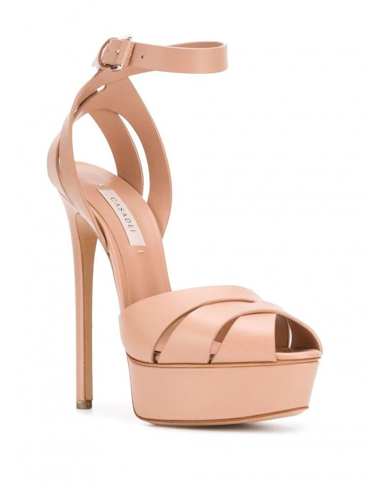 Nude sandálky Casadei